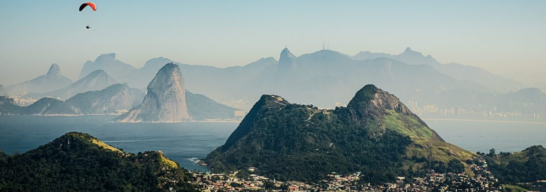 SERVICES, REAL ESTATE AND ECONOMY GROW IN BRAZIL